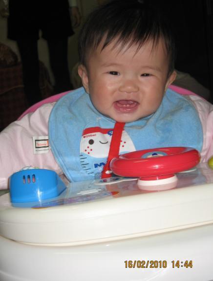 2010-02-16 小沛沛小的好開心唷.JPG