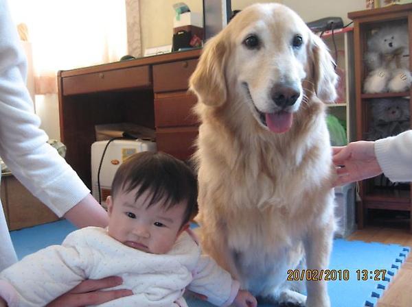 2010-02-20 沛沛跟妮妮 2.JPG