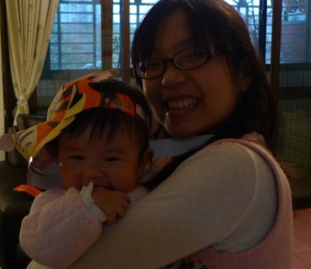 2010-02-27 我的元宵燈帽好看ㄇ~~.JPG