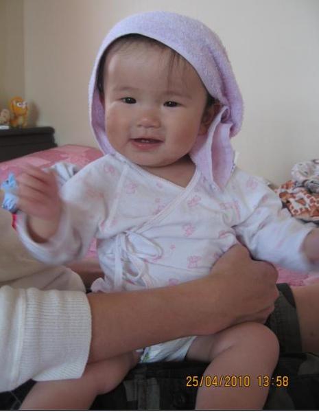 2010-04-24 小沛沛好性感喔,露腿腿唷.JPG