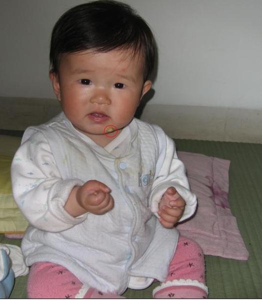 2010-04-01小沛沛愛吃鬼.JPG