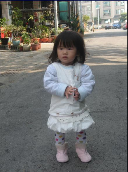 2011-02-13 是不是很像小女生了呀.JPG