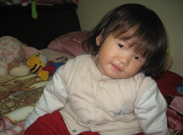 2011-02-12 現在還會擺pose喔.JPG