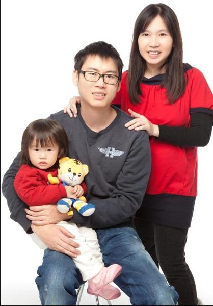 2011-01-22 CHWedding全家福1.jpg