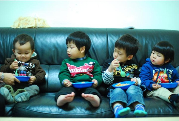 2011-02-13 小朋友慶生會2.JPG