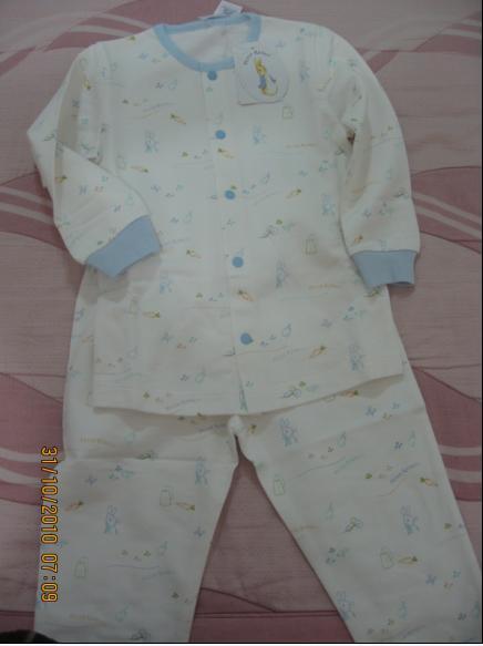 2010-10-30 奇哥比得兔刷毛內衣II.JPG