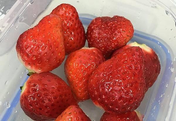 懷孕便祕吃解便秘-草莓