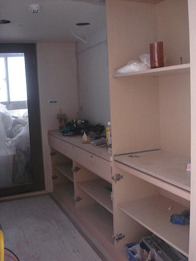 廚房中島、儲物及電器櫃