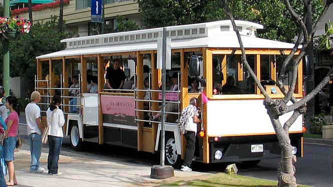waikiki-trolley