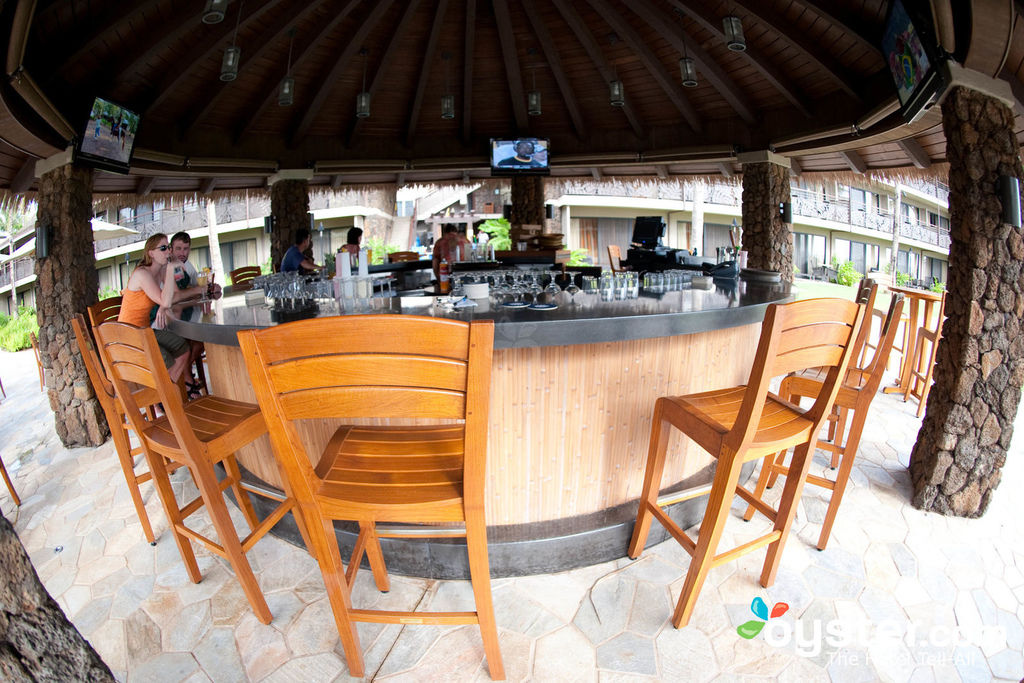 restaurants-bars-ko-kea-resort-hotel-po-beach-v421926-1600