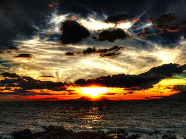 sunrise-in-lanai-island_96889-1400x1050