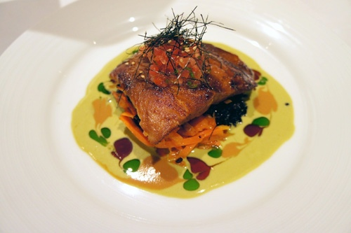 夏威夷料理法的味噌魚,也深受歐美人士的喜愛。醬料也用東方的薑與Wasabi調合而成。.jpg