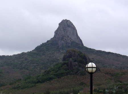 01 飯店看到大尖山