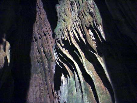 10 銀龍鐘乳石洞