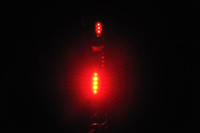 cat尾燈TL-LD610-R  01.jpg