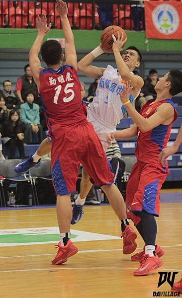 101學年HBL男甲級八強賽29日新榮杜思汗切入跳投 IMG_6723