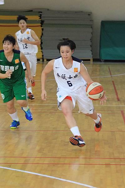 102學年HBL女甲級10日金甌菜鳥林筱嬛連兩場得分上雙