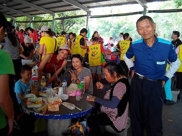 與伙伴們一同參加新竹救國團家庭日義工眷屬聯誼年會活動花絮....8