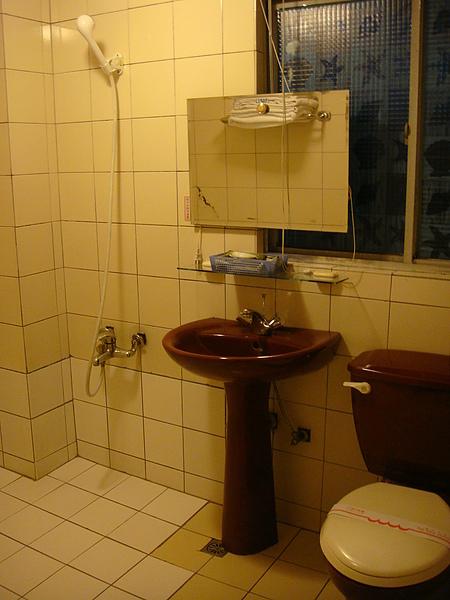 浴室空間頗大.JPG