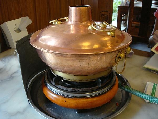 傳統的銅鍋.JPG