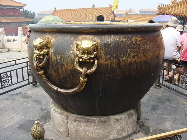 銅鐵缸.JPG