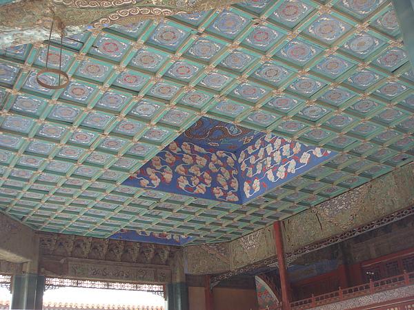 戲台的天井.JPG