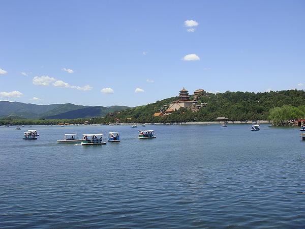 漂亮的昆明湖.JPG