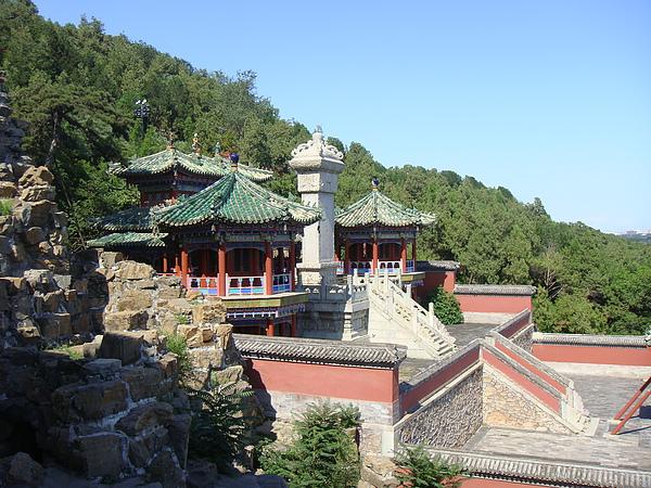 萬壽山昆明湖碑和轉輪藏.JPG