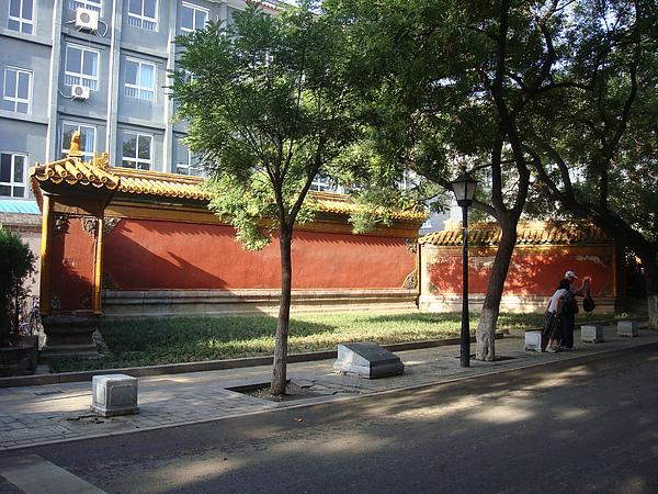 孔廟對面的影壁.JPG