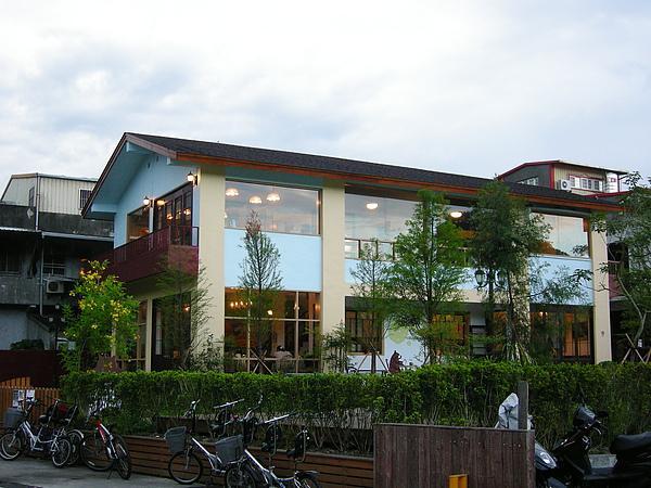 這裡也有簡餐咖啡廳.JPG