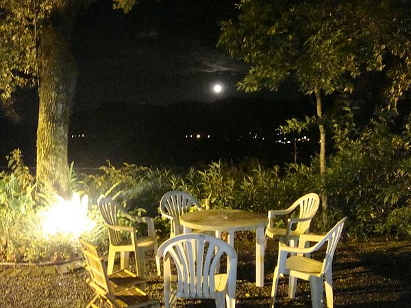 今晚的月亮好圓阿.JPG
