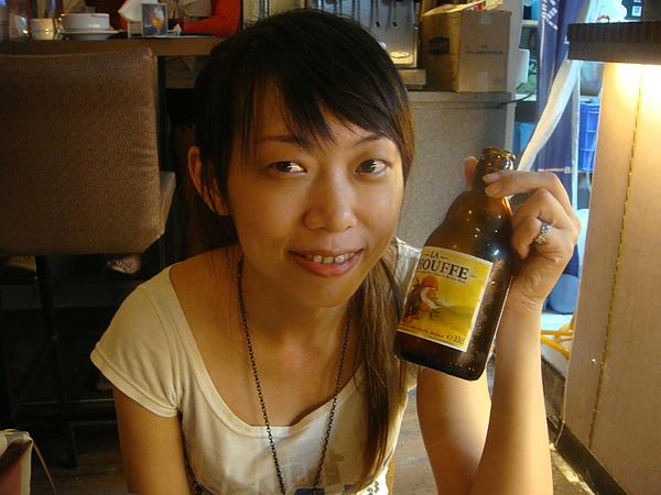 超可愛的小酒瓶.JPG