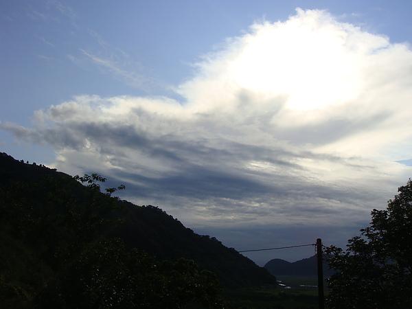 今天雲有點多.JPG