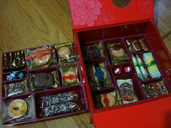 西式小餅是皇樓的禮盒.JPG