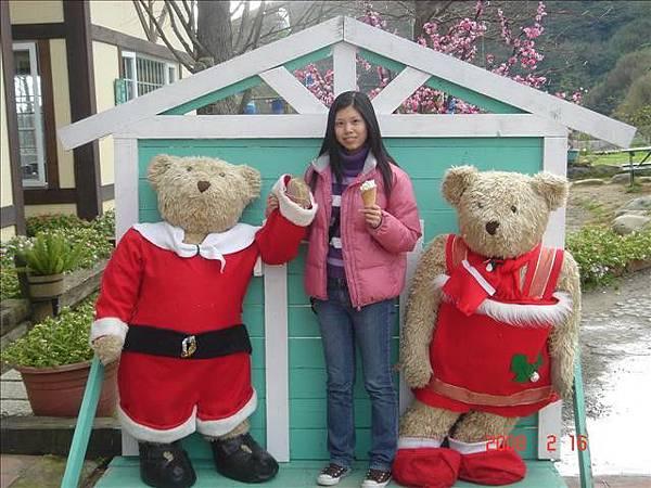 很可愛的熊熊..讓我想起濟州島