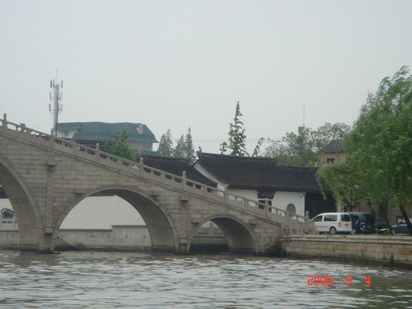五龍橋旁那間房子就是江南四大才子唐伯虎的家