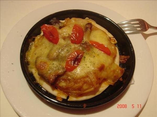 前菜~超好吃的義式牛肉薄餅