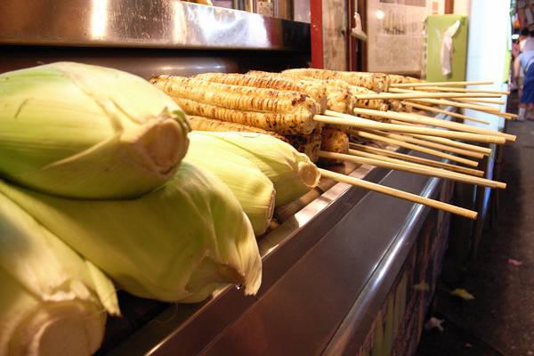 南濱有名的林記烤番麥