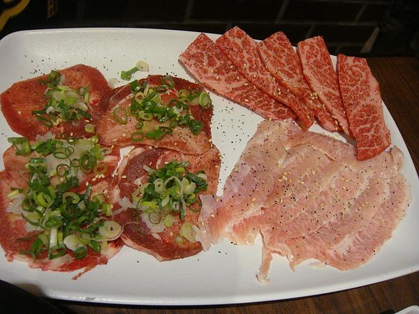 鹽蔥牛舌&椒鹽牛五花&椒鹽霜降豬肉~$490.JPG