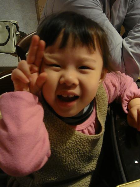 今天超愛照相的小湘湘.JPG