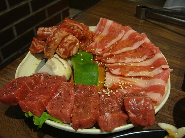 牛肉三種組合~$370.JPG