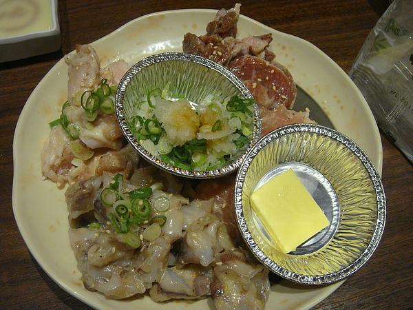 雞軟骨&奶油雞腿肉&花枝軟骨&鹽蔥豬頰肉~$360.JPG