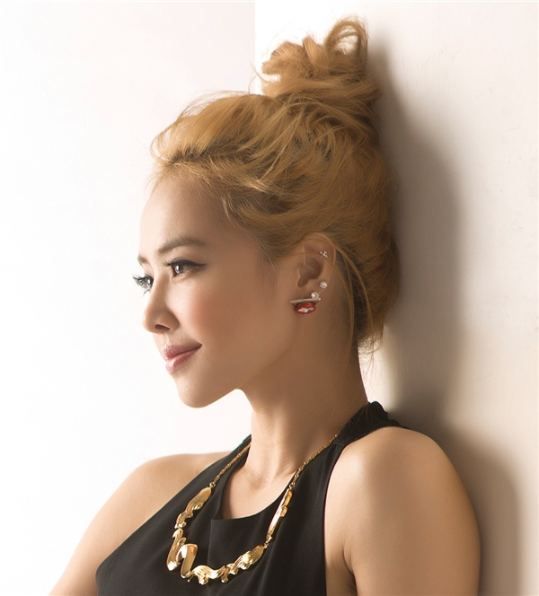 201501 vivi 蔡依林 jolin hc group 04.jpg