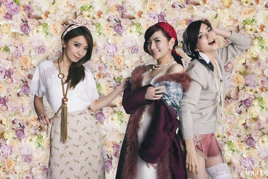 201310 VOGUE 蜷川實花 she hc group 01.jpg