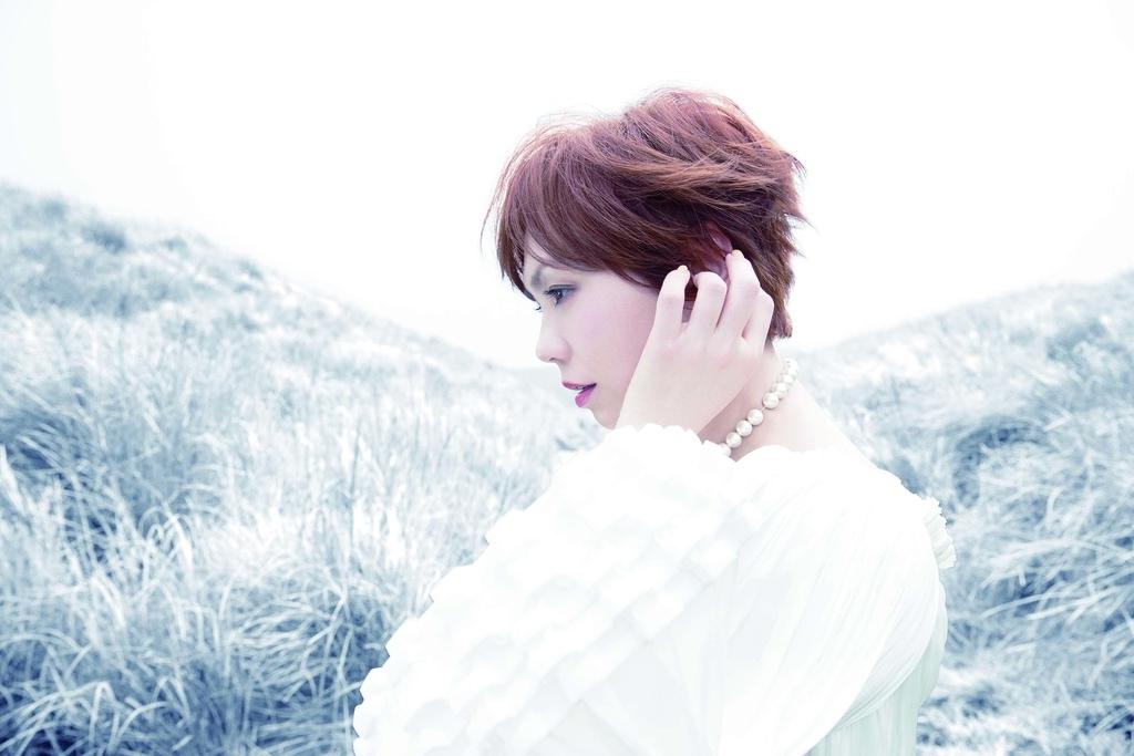 20160705 陳潔儀 全新創作專輯 天堂邊緣 hc group 02.jpg