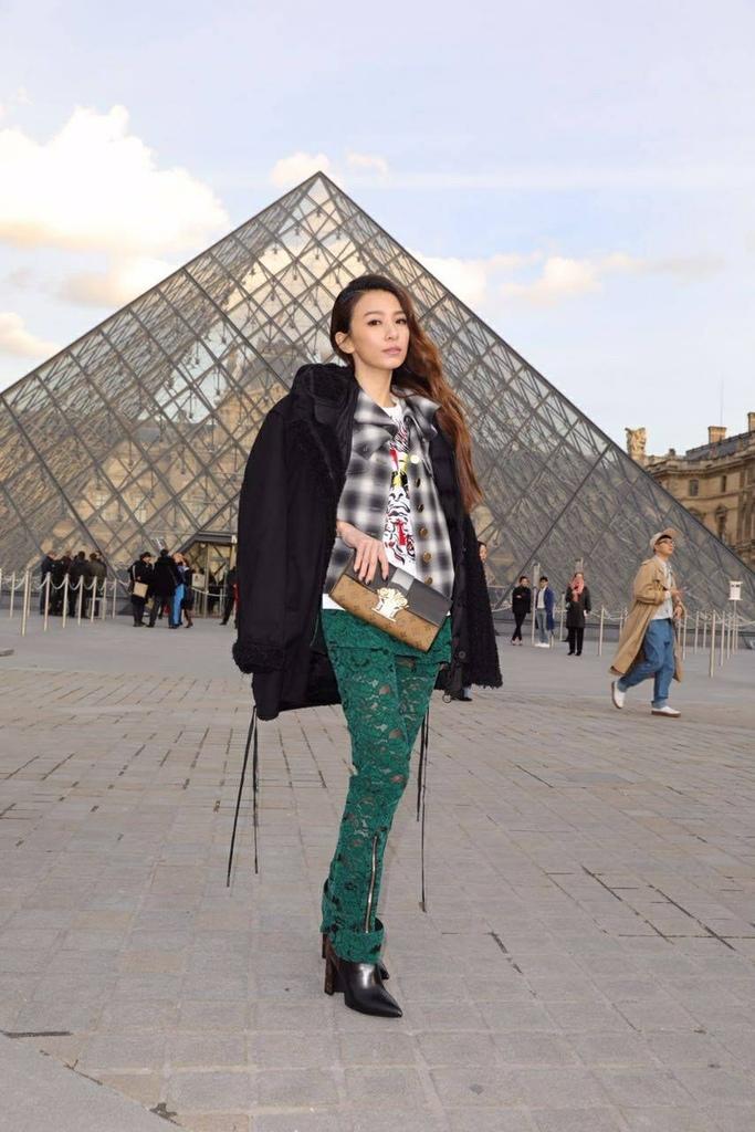 20170308 田馥甄 hebe 巴黎 路易威登 LV women fashion f:w show hc group 01.jpg