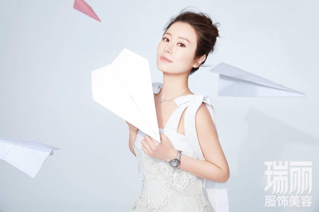 201705 中國 瑞麗服飾美容 林心如 封面人物 hc group 04.jpeg