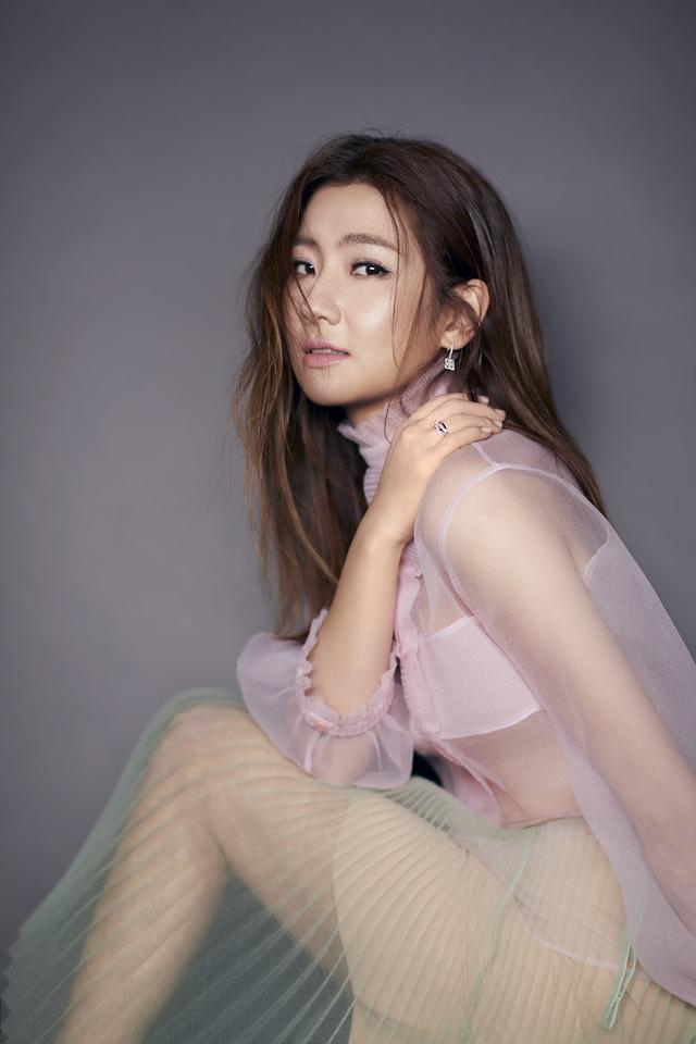 201801 beauty 美人誌 第206期 任家萱 封面人物 hc group 06.jpg