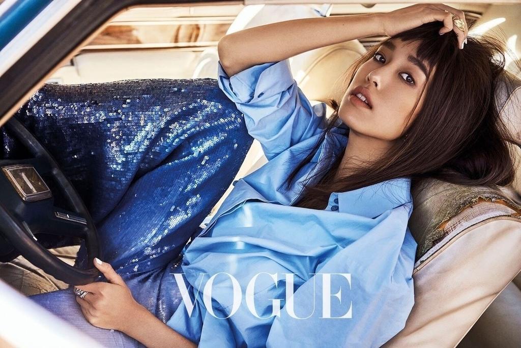 201804 Vogue 陳庭妮 封面人物 hc group 02.jpg