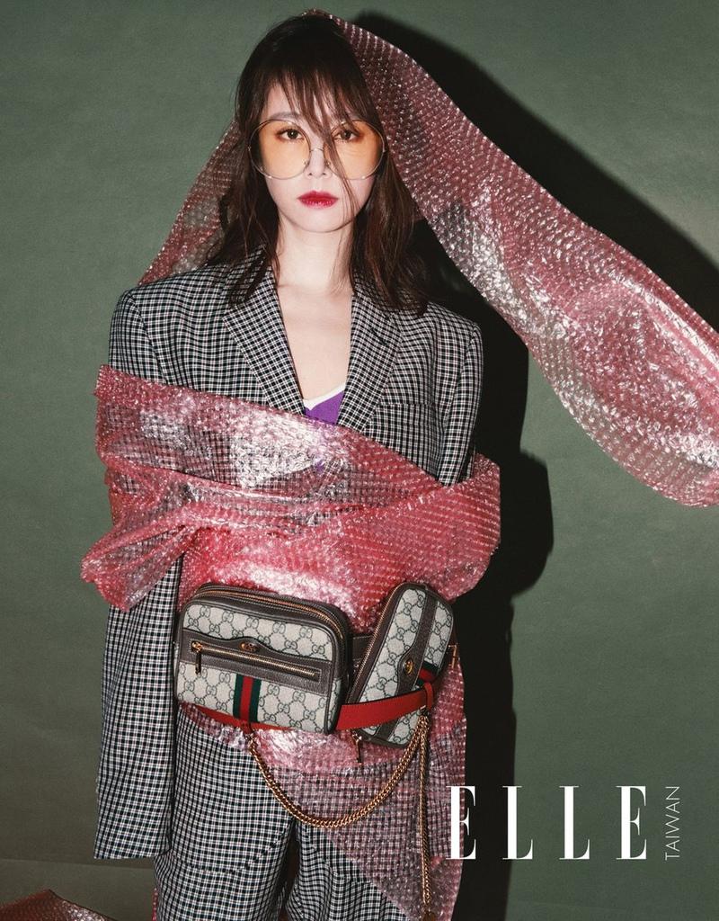 201804 ELLE ACCESSORIES 林心如 封面人物 hc group 04.jpg